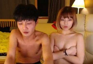 ‹無・個撮›韓国のバカップルがクンニ配信!金髪ボブの彼女が喘ぎ声我慢しながら絶頂!