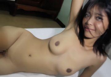 ‹無・個撮›ロリカワ美乳の童顔サヤちゃん18歳のキツキツ無毛マンコに大量中出しwww