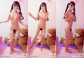 【TikTok】外出禁止で暇した中国人美少女が全裸ネコ耳でセクシーダンス配信しちゃう!