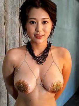 全裸の巨乳女が「物の角」にマンコを擦り付ける動画がエロすぎると話題に