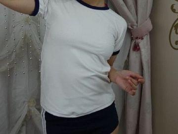 【画像あり】彼女が学生時代の「体操着」を着てみた結果wwww