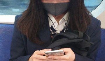 【悲報】 神奈川県の電車内のjk、さすがにエッチすぎる…(※画像あり)