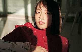 【GIF】吉岡里帆さん、いまだに胸を開けさせられる…
