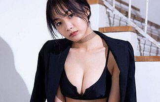 【画像】グラドル・吉澤遥奈(19)の黒タイツ水着が巨乳おっぱいで完璧ボディすぎるwwww