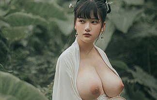 复活空间 Ulanda、ヌード画像まとめ!最高の美巨乳おっぱいを持つ中華系グラドル、コスプレイヤー!