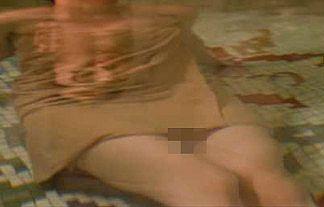 """【画像】温泉番組で女性タレントの股ぐらの""""秘湯""""が映る放送事故wwwwwww"""