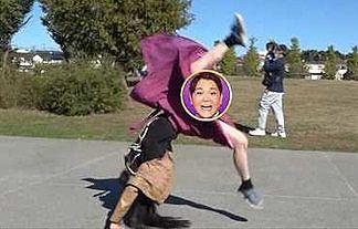【放送事故】貧乳東大女子がテレビで大開脚パンチラwwwwwwwww