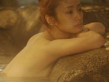 【上戸彩】出産してますますエロくなった身体をご覧ください。(39枚)
