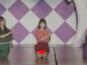 堀未央奈(乃木坂46)純白パンツをしっかり見せた瞬間wwwwww(GIFあり)