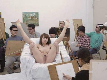 ヌードデッサンとかいう芸術という名のエロがこちら。。美大サイコーやろwwwww