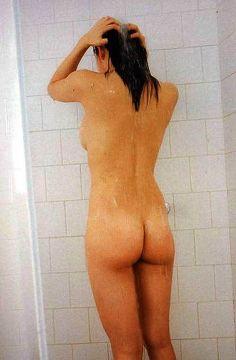 小倉優香、全裸でお尻の割れ目が丸見えになったイヤらしいカラダ股間