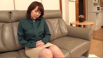【真田紗也子】浮気夫に構って貰えなくなった完熟義母のバイブオナニー!思春期の義息には刺激が強すぎるはしたない絶頂姿