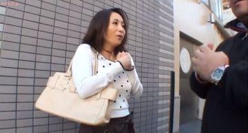 新宿でセックスレス奥様ナンパ!一度濡れたら止められないご無沙汰人妻は連続他人棒挿入を拒めない