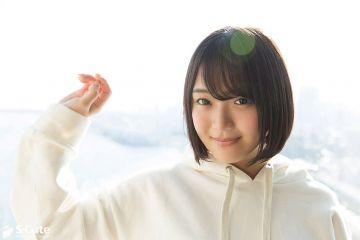 【Rei(千夏麗)】アソコがつるつるなロリ系美少女は幼い頃からアソコは気持ちのいい所だと知っていた早熟な女の子