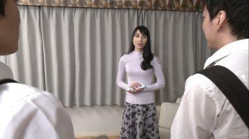 【鶴川牧子】友達のお母さんが綺麗過ぎてお風呂を覗いたらオナニーしてた!性欲漲る童貞チンコを筆おろししてあげたい完熟母性愛