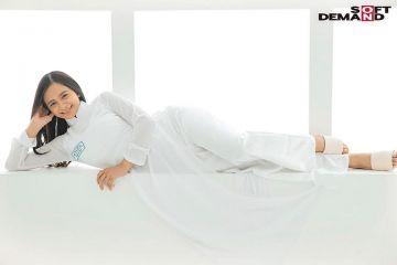 【咲田ラン】アオザイも女子校生も似合うチビッ子ベトナムハーフ娘!