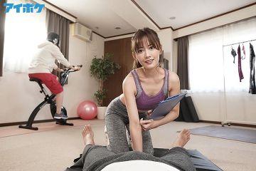 H画像案内【住田紗里アナ 新体操で激しく胸チラ!フェアリーエクササイズでおっぱいがムギュってなった谷間を公開してしまう】
