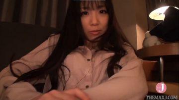 [動画]【早乙女らぶ】カメラに恥ずかしがるニーハイ美少女を宥めながらハメ撮り!ローター責めに敏感ボディが反応して騎乗位ピストンに喘いじゃう