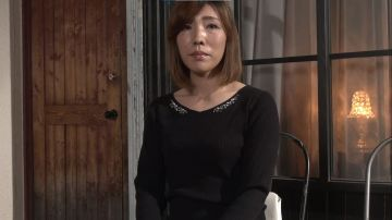 [動画]【華村千裕】あがり症のドM奥様がもっとイジメて欲しくてAV再出演!手枷吊り拘束されて手マン責めに立ちアクメ
