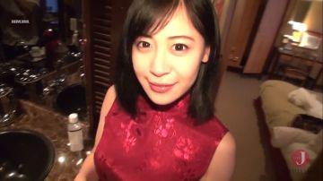 【美玲(メイリン)】中国生まれのエロお姉さんにチャイナドレスを着せて網タイツ破りハメ撮り!