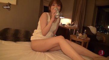 【舞川セナ】ほろ酔いお姉さんの艶めかしいTバック美尻がハメ誘う!判断力が乏しくなった酔いどれ女の割れ目は即濡れ即ハメOK