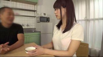 【涼宮琴音】家庭教師の可愛いお姉さんに利尿剤茶を飲ませる悪徳オヤジ!トイレの前で敢え無く失禁してしまい床が小便塗れ羞恥