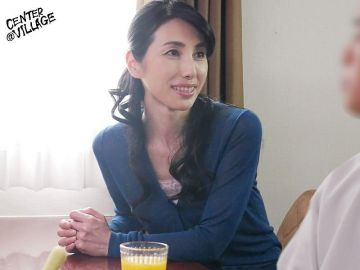 【鶴川牧子】夫と別居して寂しさとセックスレスでオナニーに耽ってしまう完熟お母さん!母親の寂しい体を慰めてあげたい孝行息子
