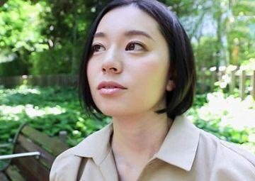 【初撮り人妻】平井栞奈 34歳。『大きいオチンチンとセックスしたくて…』短小の夫を持つ美人妻が内緒でAV出演!