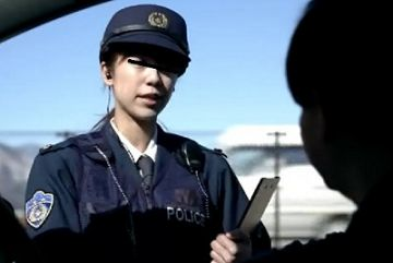 【動画】スマホを落とした美人警察官さん、保存していたフェラチオ動画が流出してしまう…