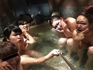 【無修正流出】この中の誰かのせいで「女子会温泉旅行」の全裸お風呂画像が流出してしまったもようwww