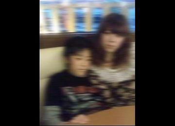 【個人撮影】女子大生さん、友達の弟くんのショタチンポを咥えてしまう…