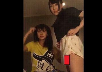 【GIF動画】SHOWROOMで現役アイドルのマン毛が映る大放送事故wwwwwwwwwwwww