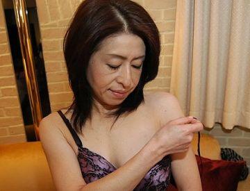 【無修正ハメ撮り】立川 伸子 49歳 。夫と別居中でご無沙汰な主婦が10年ぶりのチンポにイキ狂う!
