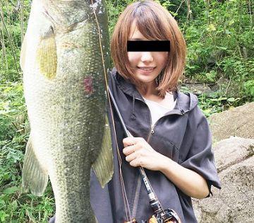 【動画】釣り系女性YouTuberさん、釣り仲間のおっさんとのハメ撮りが流出!