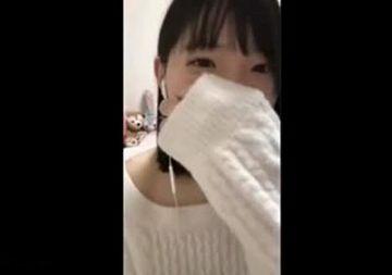 【動画あり】生配信中の美少女さん、視聴者の悪ガキどもに煽られてマンコにペンを入れてしまうw