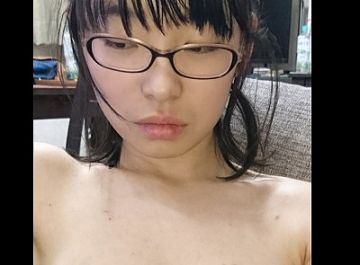 【無修正画像】ひきこもりの超陰キャ女子の裸がこちらwwwwwww