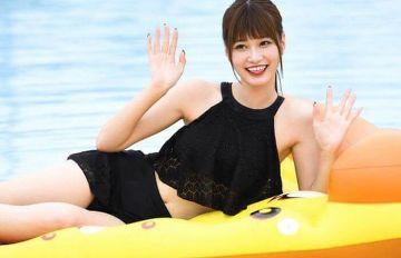 生見愛瑠(めるる)、水着おっぱいがエロい!胸チラやパンチラしまくる人気モデルwww