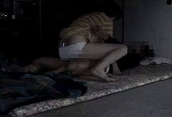 【個人撮影】母親を部屋に呼びつけて性処理させてるニート息子のヤバすぎ近親相姦投稿その2