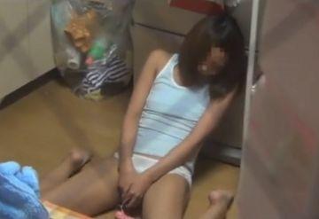 【民家盗撮】JCから主婦まで。これが素人女子のガチオナニーだ!
