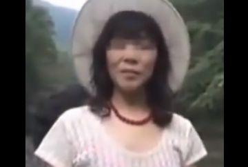 【個人撮影】「河原でキャンプしてる若者に妻を貸し出してみたw」旦那が撮影したNTR動画