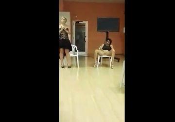 【個人撮影】性の先進国ヨーロッパの性教育授業の実態!生徒の前で女教師が本気のオナニー実演wwww