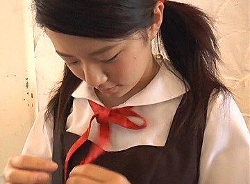 『富永歩菜(13) ほたるのせせらぎ』C2年生の女性器の形がくっきり見える過激イメビ