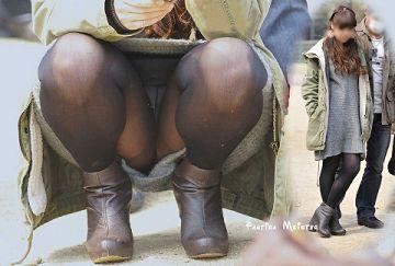 黒パンスト・タイツを履いてると女子はスカートを履いてる事を忘れてパンチラするらしい