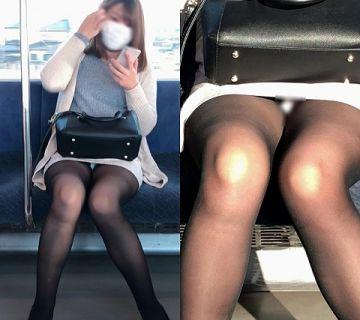 電車で座るならタイトスカートの目の前に限る事が分かるパンチラ画像