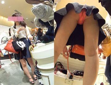 【逆さ撮り】お買い物中は周囲に気がまわらずにパンチラ撮られ放題な件(20枚)