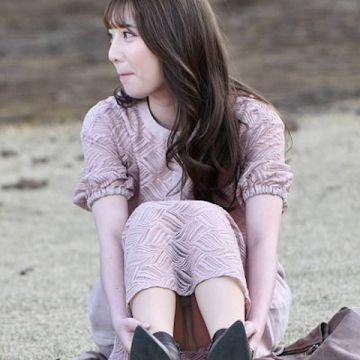 偶然撮影出来ちゃったスカートで座った素人のラッキーパンチラ画像