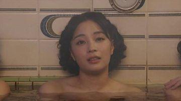 広瀬すず、「エアガール」で入浴シーン、全裸おっぱい見えそう!!