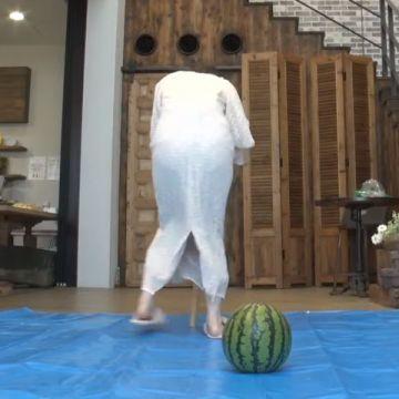 元乃木坂46の白石麻衣が生配信で透けパンチラ晒す
