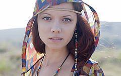 北欧産ネイティブアメリカン風赤毛少女リナ。経験不足な彼女から匂う性的な香りがエロいセクシーヌード画像!