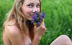 ロシアの妖精 マーシャ18歳の可愛すぎた色白セクシーヌードをコレクション part1
